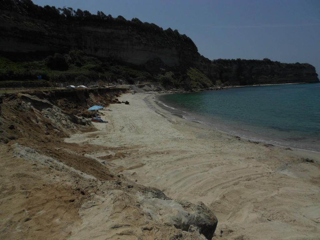 Creato finalmente l 39 accesso alla spiaggia di - Alla colorazione della spiaggia ...