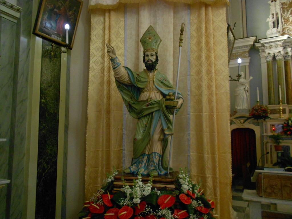 La statua di san Nicola conservata nella chiesa parrocchiale di san Nicolò di Ricadi