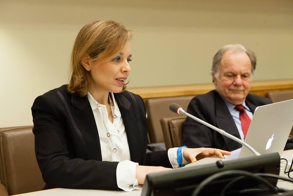Alessandra Romolo durante la presentazione del suo progetto alle Nazioni unite