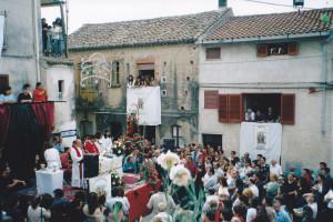 2000 (2)