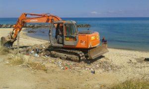 pulizia spiagge pizzo 22016